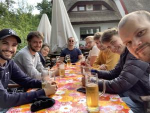 Das SLN-Team beim Paddeln und Essen im Spreewald